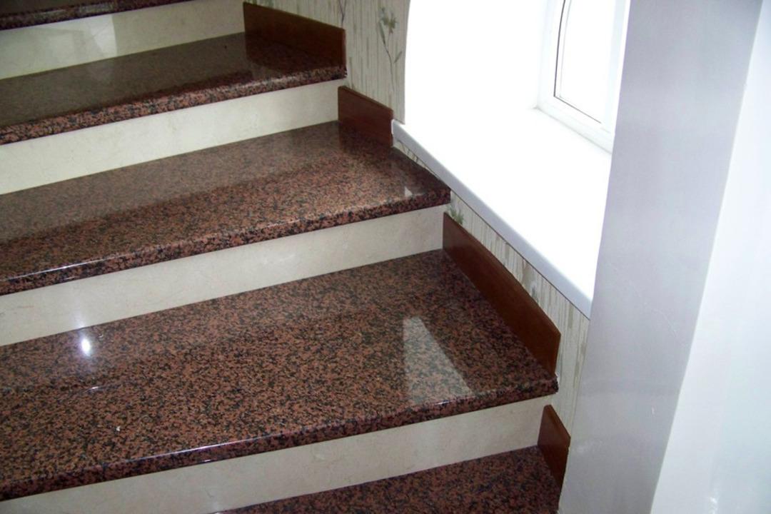 впрочем, евгений лестница из гранита фото из-за которого