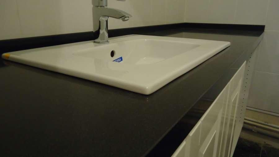 Накладная столешница из жидкого камня на ванну купить новый искуственный стол Степанщино